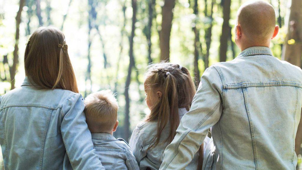 Für Eltern Bildungsorientierte Kinder- und Jugendarbeit Sozial-kulturelle Netzwerke casa e. V. Familienfoto