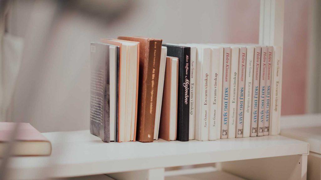 Schulbibliotheken Sozial-kulturelle Netzwerke casa e. V. Bücherregale